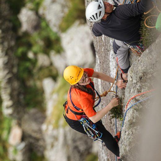 520x520-climbing