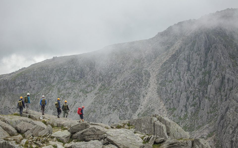15-things-Outward-Bound-Boil-hiking-group