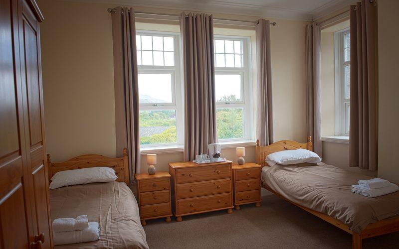 Eskdale-800x500-twin-bedroom