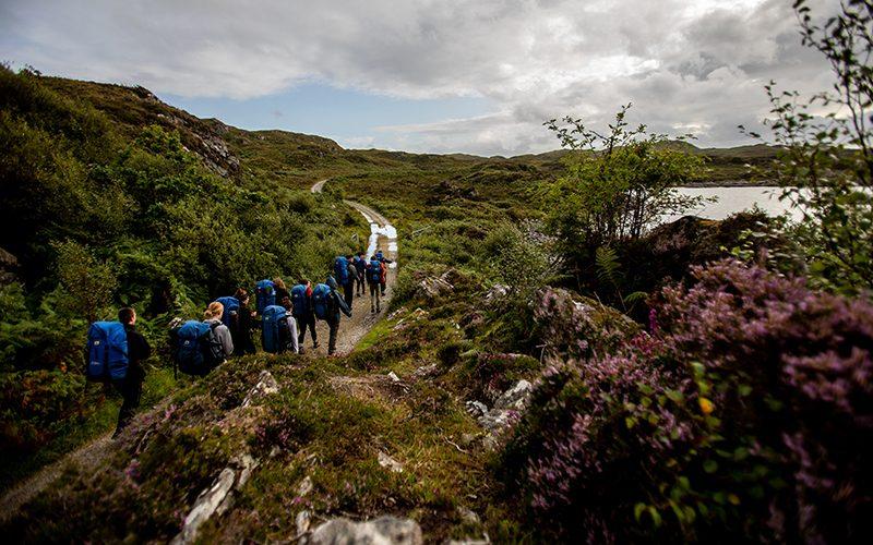 Loch Eil 800x500 heather walk